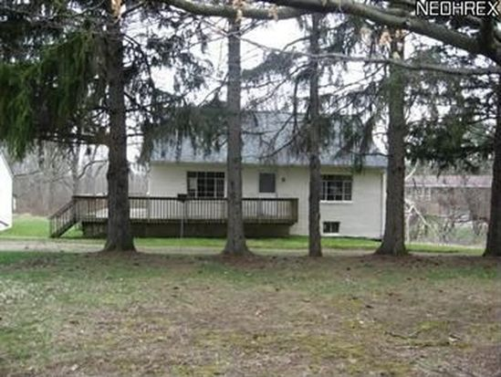 18766 Snyder Rd, Chagrin Falls, OH 44023