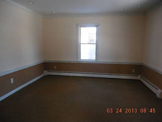 5 Spruce St, Exeter, NH 03833