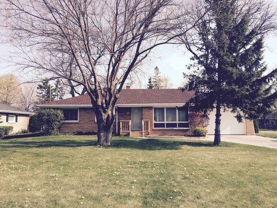 3100 W Edgerton Ave, Greenfield, WI 53221