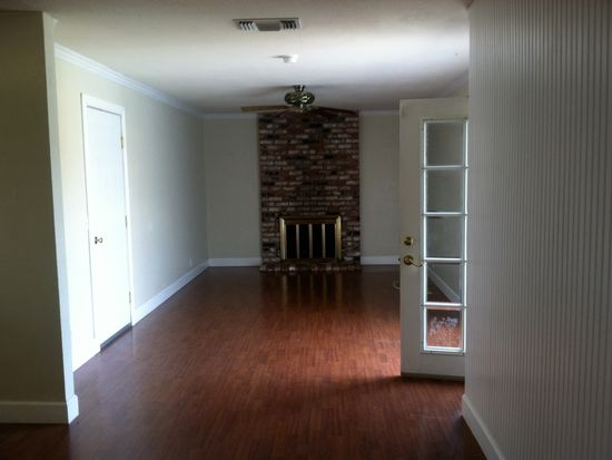 379 Temple Dr, Vacaville, CA 95687