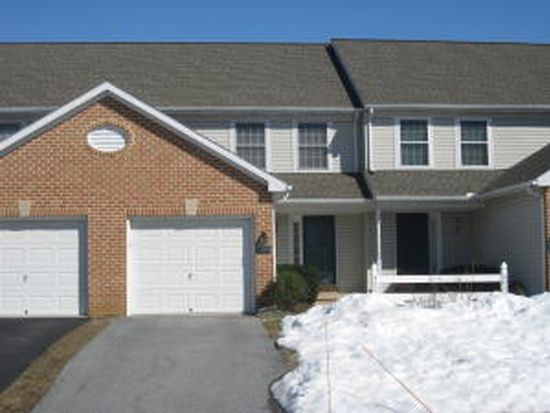 4028 Parkside Ct, Mount Joy, PA 17552