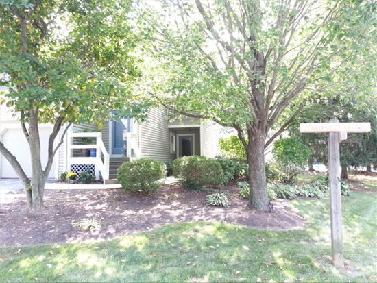 2000 Meadow Gln, Wyomissing, PA 19610