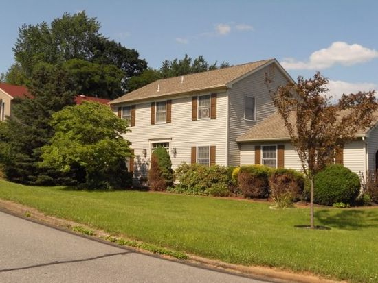 30 Stonecroft Dr, Easton, PA 18045