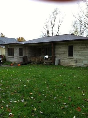 1136 N 8th St, Mitchell, IN 47446