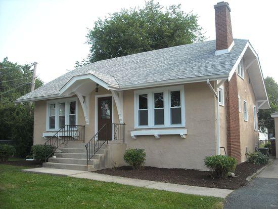 330 E Elm St, Villa Park, IL 60181
