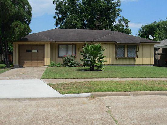 10615 Wheaton Dr, Houston, TX 77089