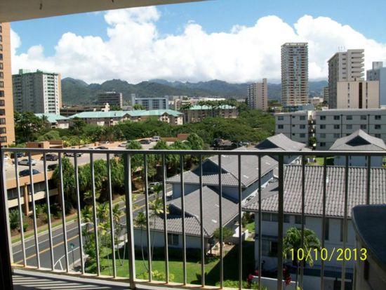 1052 Ala Nanu St APT 702, Honolulu, HI 96818