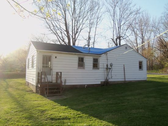 5777 W Emerson Ave, Knightstown, IN 46148