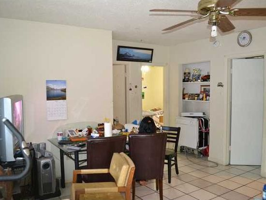 830 W 40th St, Miami Beach, FL 33140