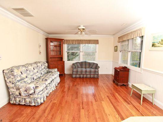 4030 Winter Green Ave, Egg Harbor Township, NJ 08234
