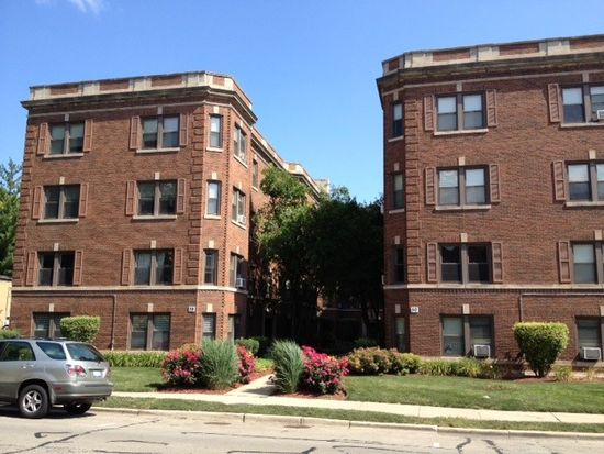 54 Forest Ave APT 1E, Riverside, IL 60546