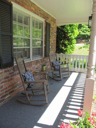 129 Applewood Ln, Spartanburg, SC 29307