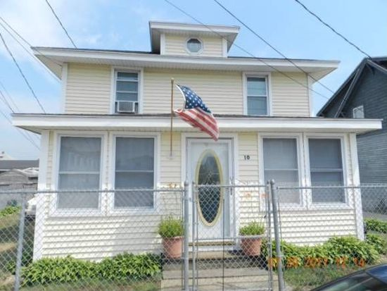 10 M St, Hampton, NH 03842