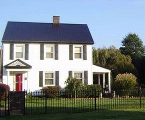 1908 Jefferson Blvd, Point Pleasant, WV 25550