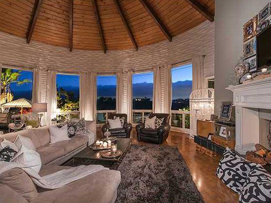 11185 New Morning Rd, La Mesa, CA 91941