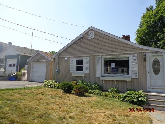 12 Maple St, Lynn, MA 01904