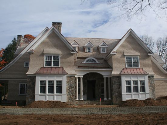 31 Norholt Dr, New Canaan, CT 06840