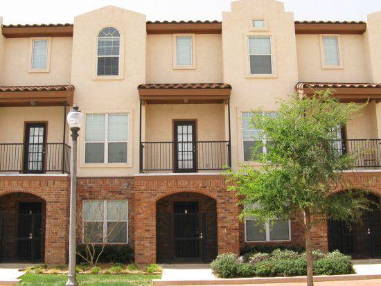 2111 Main St APT 2, Lubbock, TX 79401