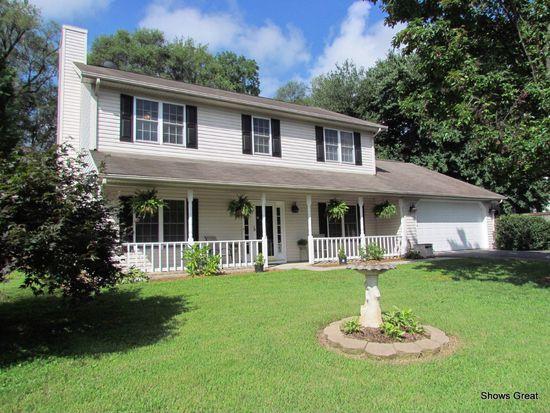 1707 Bush Farm Dr, Vinton, VA 24179
