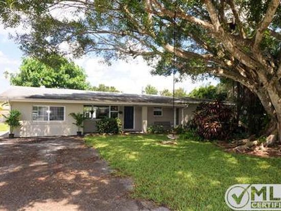 1327 Sunbury Dr, Fort Myers, FL 33901