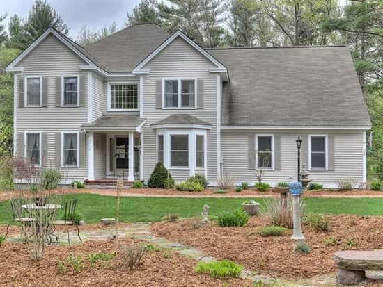 54 Catesby Ln, Bedford, NH 03110