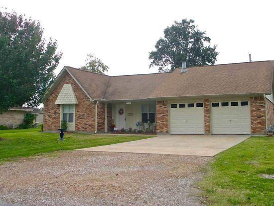 1423 Herring Ave, Port Neches, TX 77651
