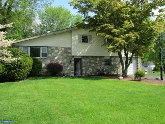 529 Fairhill Dr, Churchville, PA 18966