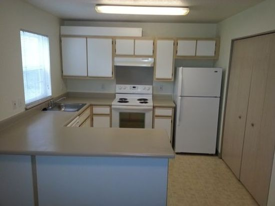 1301 NE 8th St APT 232, Gresham, OR 97030