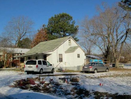 110 W Persimmon St, Youngsville, NC 27596