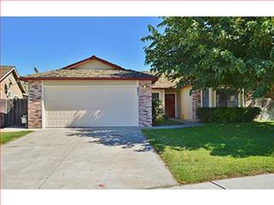 821 Brittany Cir, Hollister, CA 95023
