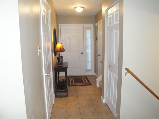 105 Westbrooke Ln, Coraopolis, PA 15108