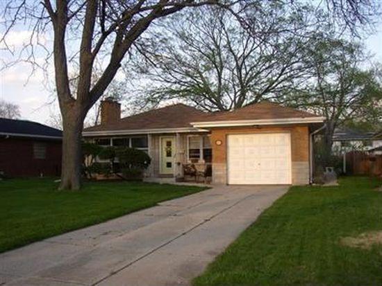931 S Hillcrest Ave, Elmhurst, IL 60126