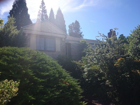 3020 W Viewmont Way W, Seattle, WA 98199