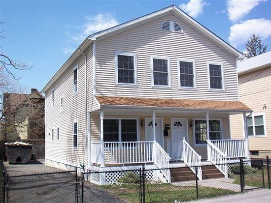 669 Kossuth St, Bridgeport, CT 06608