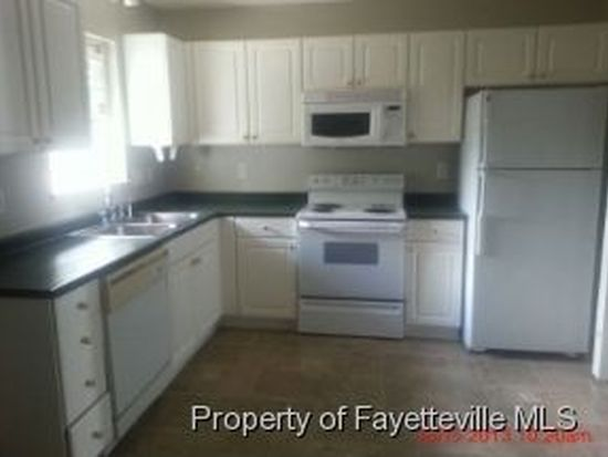 453 Cityview Ln, Fayetteville, NC 28301
