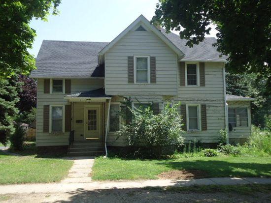 1502 Court St, Mchenry, IL 60050