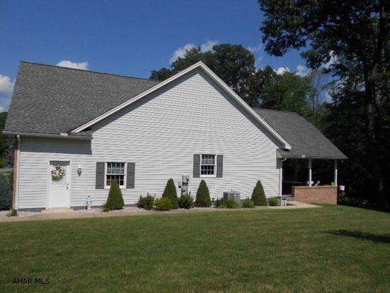 127 Castle Farms Rd, Altoona, PA 16601