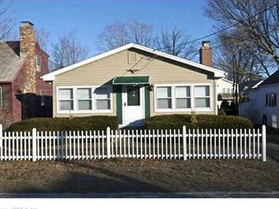 16A S Cove Rd, Old Saybrook, CT 06475
