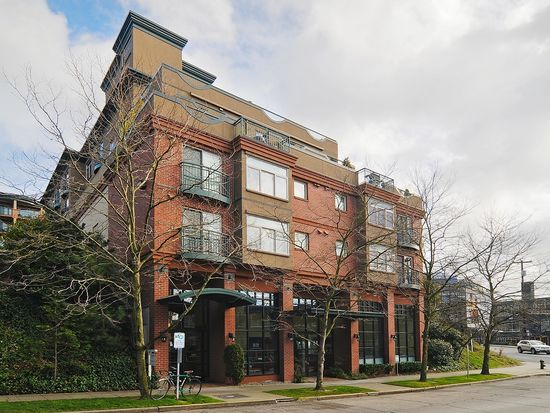 120 1st Ave W APT 501, Seattle, WA 98119