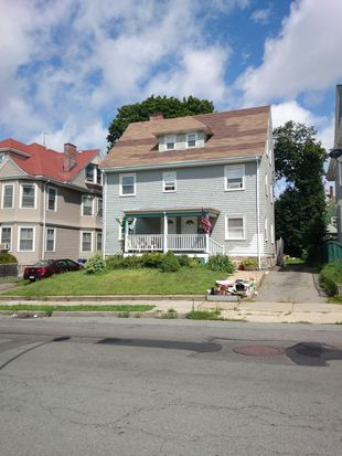 21 Aspinwall Rd, Dorchester Center, MA 02124