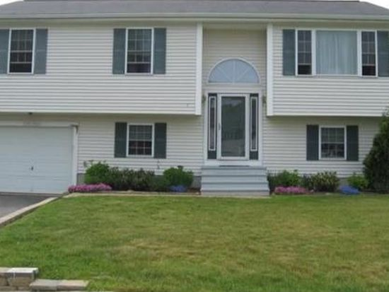 1 Vista Cir, Dartmouth, MA 02747