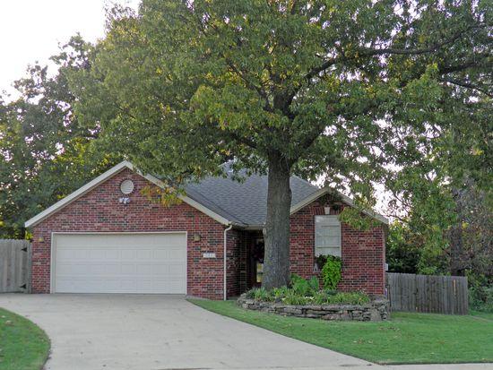 1523 N Heritage Ave, Fayetteville, AR 72704