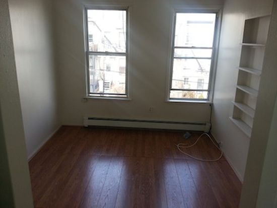 601 18th St APT 4, Brooklyn, NY 11218