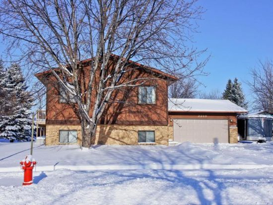 2219 28th Ave S, Fargo, ND 58103