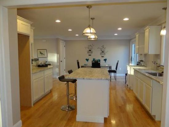 48 Summer St, Andover, MA 01810