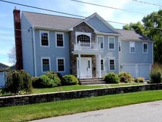 15 Hartford St, Dartmouth, MA 02748