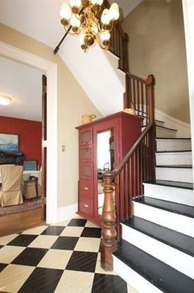 21 Middle St, Gloucester, MA 01930