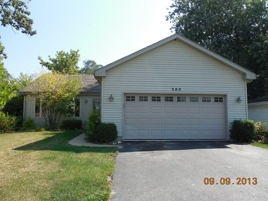 380 Council Trl, Lake In The Hills, IL 60156
