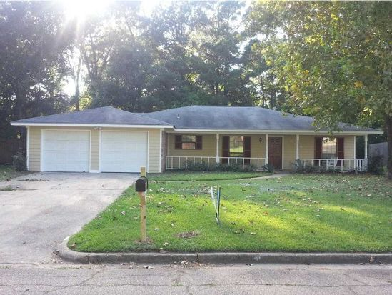 609 Cedar Springs Dr, Jackson, MS 39212