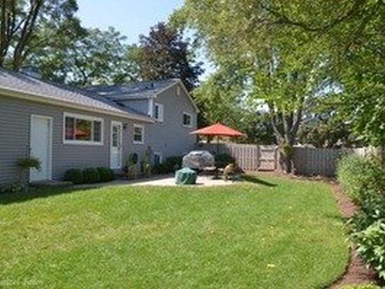 763 Dover Ct, Crystal Lake, IL 60014